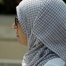 โพรไฟล์ผู้ใช้ Khadija