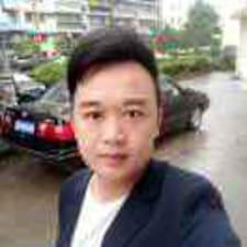 徐东さんのプロフィール