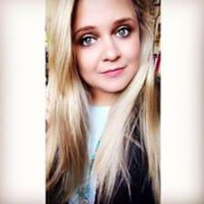 Profil korisnika Carolann