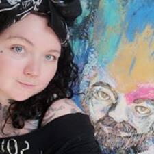 Clare felhasználói profilja
