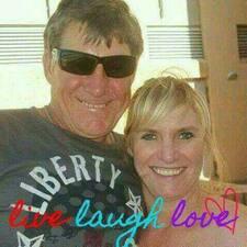 Profil Pengguna Paul And Vanessa