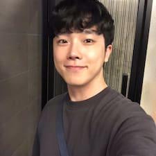 헌주 User Profile