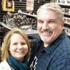 โพรไฟล์ผู้ใช้ Darrel & Beth