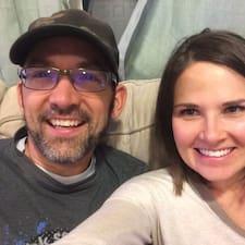 Profilo utente di Dustin And Emily