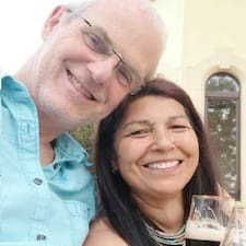 Profil Pengguna Carlo + Lidia