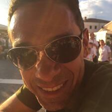 โพรไฟล์ผู้ใช้ Davide