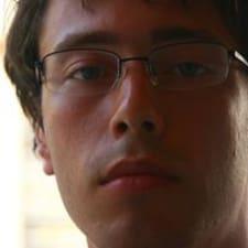 Krougly felhasználói profilja