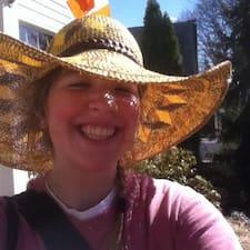 Profil Pengguna Mary Liz