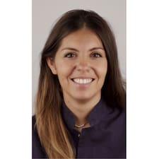 Profilo utente di Clara Roc
