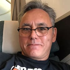 โพรไฟล์ผู้ใช้ Bruce