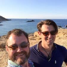 Profil Pengguna Scott & Chris