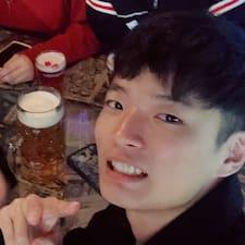 Myoung Ju님의 사용자 프로필