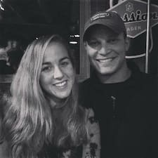 Dustin And Hannah Brugerprofil