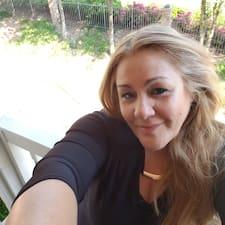 Esther felhasználói profilja