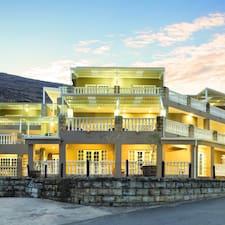 Profielfoto van Mont D'Or Hotel