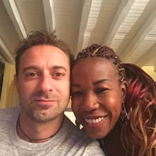 Stéphane Et Nouria är en Superhost.