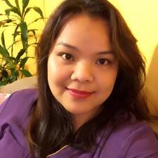 Lorie felhasználói profilja