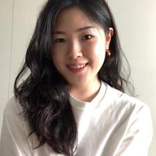 HyeRin felhasználói profilja