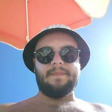 โพรไฟล์ผู้ใช้ Nikos Krzysztof