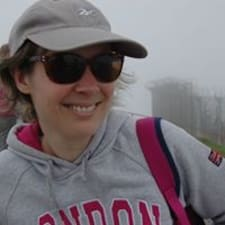 Evelyne felhasználói profilja