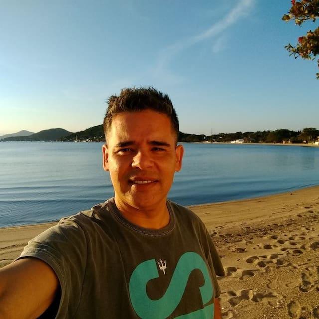 Guidebook for Lagoa Pequena
