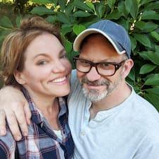 Rebecca & Tad is een SuperHost.