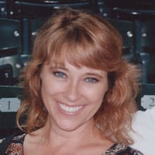 Profil Pengguna Rhonda