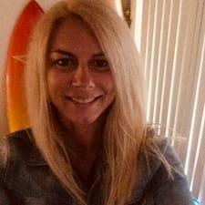 Lyndelle User Profile