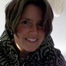Adriane Brugerprofil