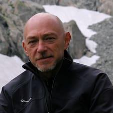 Profil Pengguna Hubert