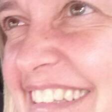 Claudia Regina felhasználói profilja