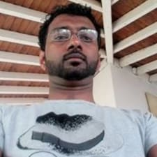 Nuwan Sameera is een SuperHost.