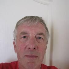 Profil korisnika Davies