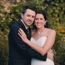 Christine And Chris님의 사용자 프로필
