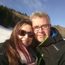Profilo utente di Karina & Michael