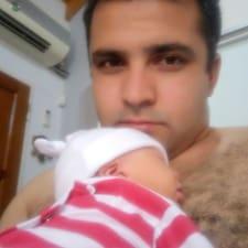 โพรไฟล์ผู้ใช้ Efrain Gustavo