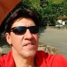โพรไฟล์ผู้ใช้ Carlos Roberto