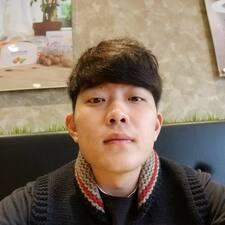 Wooyoung felhasználói profilja