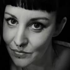 Adeline Brugerprofil