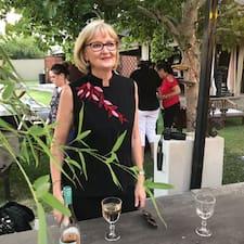 โพรไฟล์ผู้ใช้ Carol