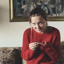 Karolina Brugerprofil