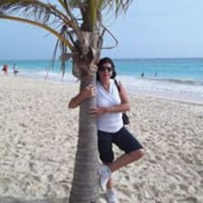 Maria Julia felhasználói profilja