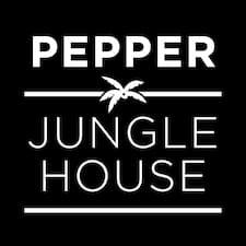 Pepper Jungle House er ofurgestgjafi.