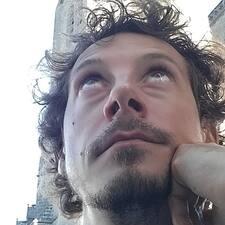 Nutzerprofil von Julien