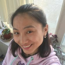 莹 User Profile