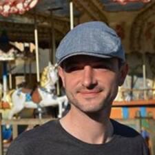 โพรไฟล์ผู้ใช้ Pierre-Emmanuel