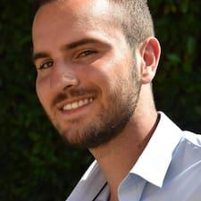 Elliot - Uživatelský profil