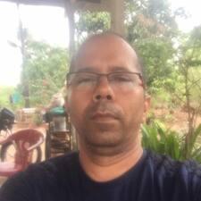 Ghanshyam bir süper ev sahibi.
