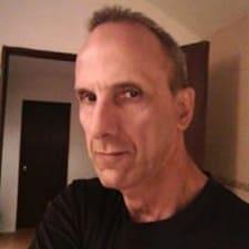 Профиль пользователя César L.