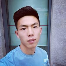 明明 User Profile